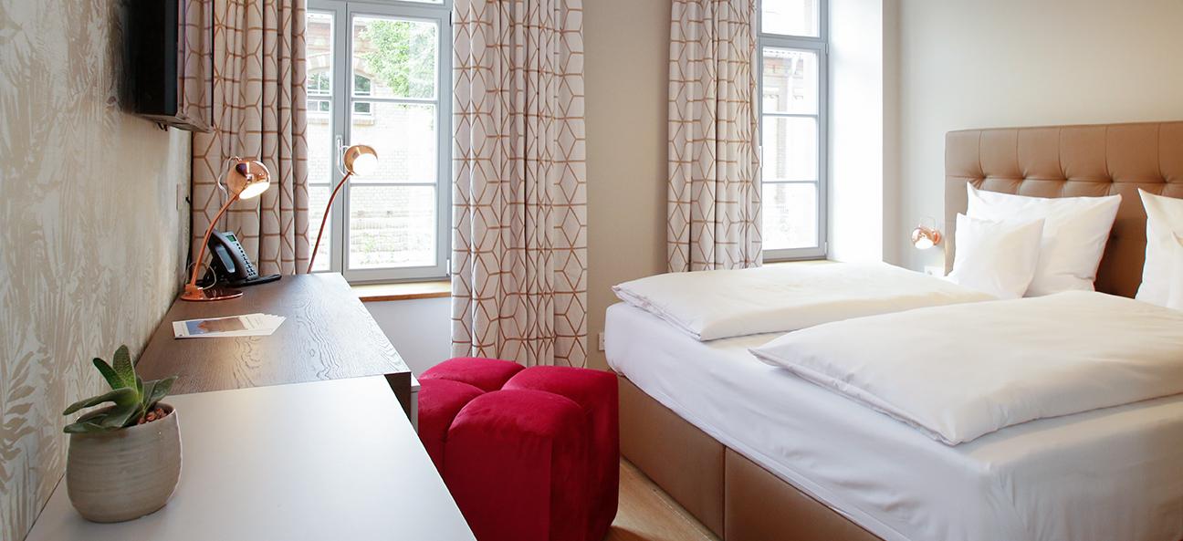 Amelie Landau - Classic Single Room