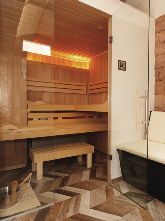 Amelie No1 Landau Sauna